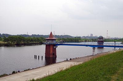 「とんがり帽子の取水塔」の画像検索結果